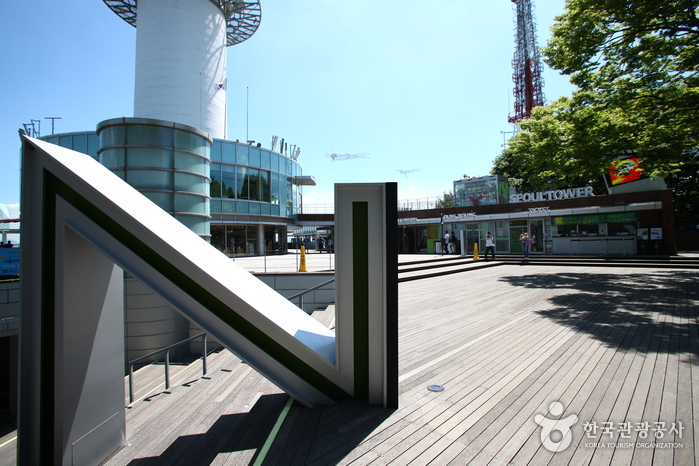 N首爾塔(N 서울타워)
