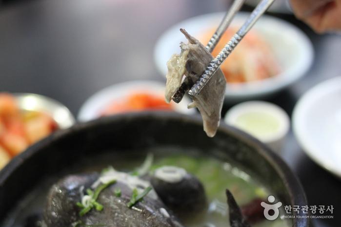 百济参鸡汤(백제삼계탕)
