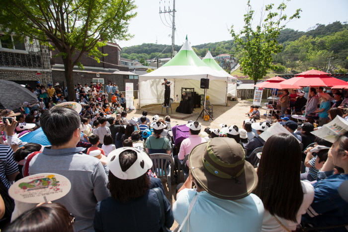 Theaterfestival Suwon (수원연극축제)