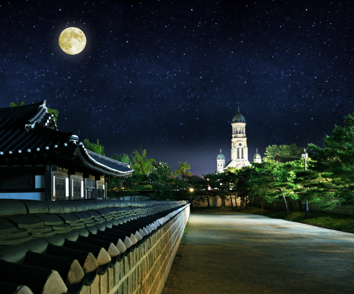 全州韓屋村慶基殿「與王散步」(전주 한옥마을 경기전 '왕과의 산책')