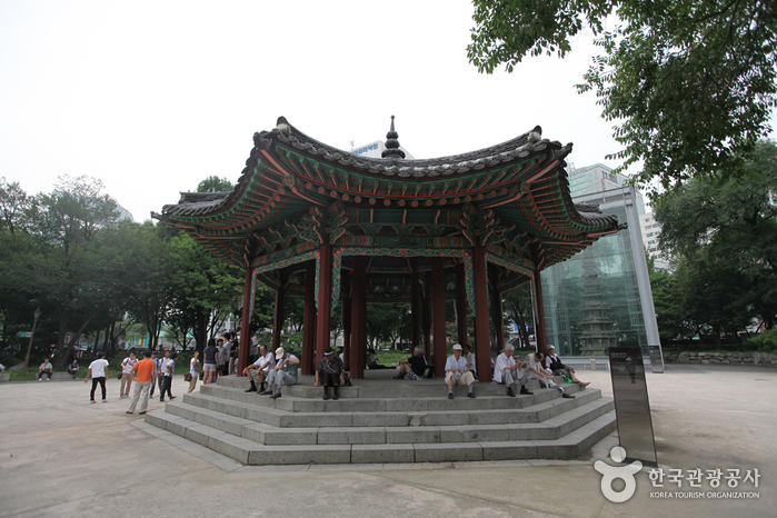 タプコル公園 八角亭(탑골공원 팔각정)