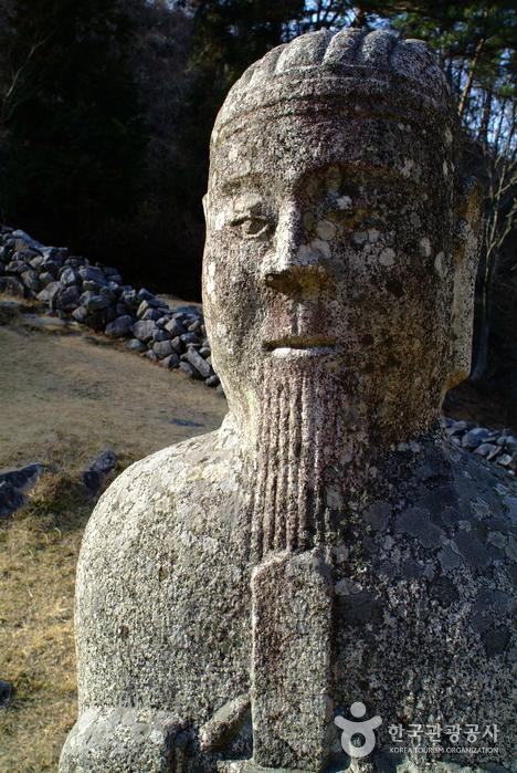 Гробница короля Кухёна (산청 전 구형왕릉)4