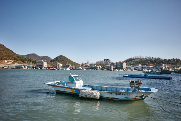 Sinsido Island Fishing Experience Village (신시도 어촌체험마을)