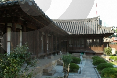 House of Yi Jang-u (이장우 가옥)