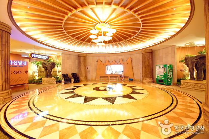 Отель «Cloud 9», Курорт Тэмён в Пёнсане (대명리조트 / 변산(Cloud9))