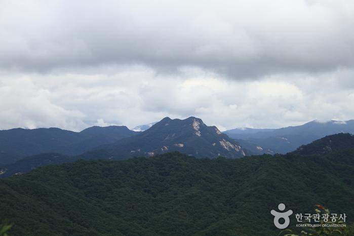 Berg Joryeongsan (조령산)
