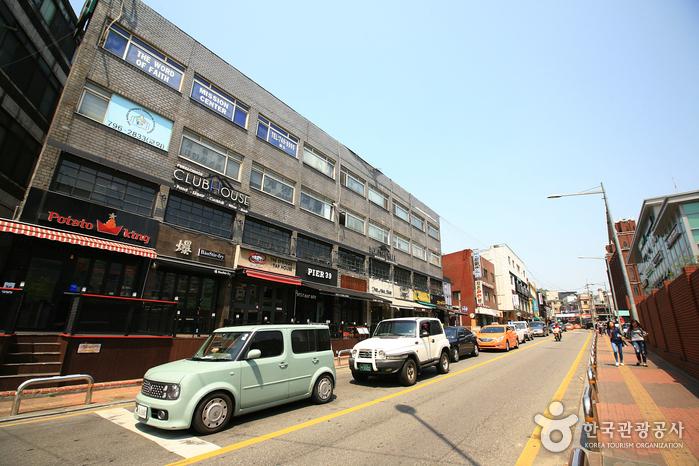 Gyeongnidan-gil Road (경리단길)