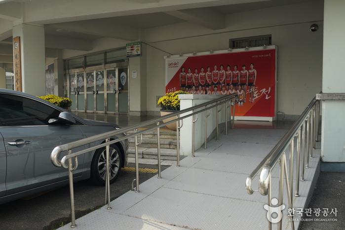 大田综合运动场(棒球场)(한밭종합운동장(야구장))