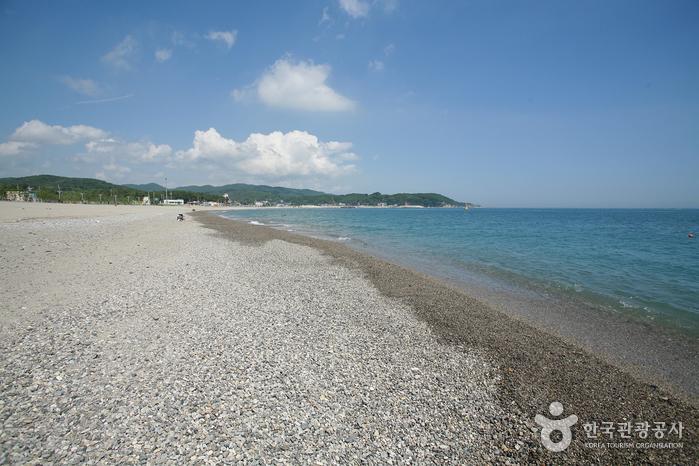 Najeong Beach (나정고운모래해변)