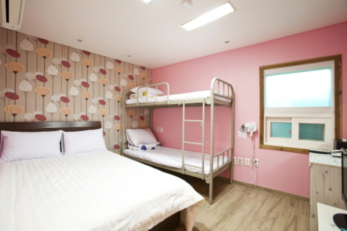 Trash: Seoul Backpackers Hostel - Goodstay (서울백팩커스)