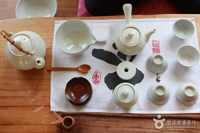 河東野生茶文化祭り(하동 야생차문화축제)