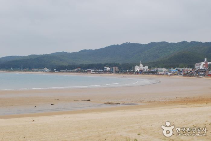 Mallipo Beach (만리포해수...