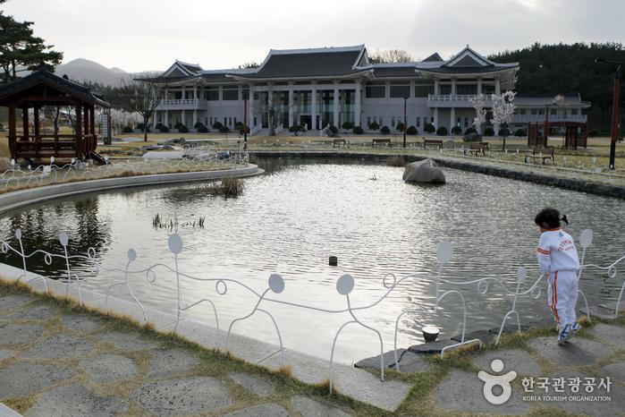 삼성현역사문화공원 전경