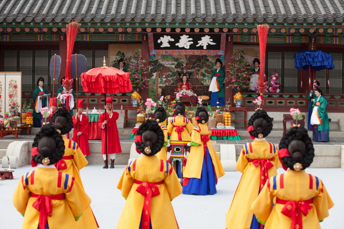 Культурный фестиваль Хвасон в Сувоне (수원 화성문화제)