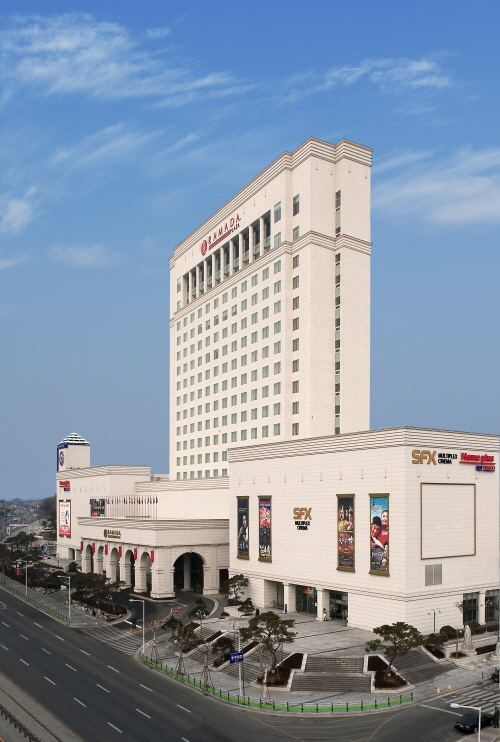 Grand Plaza Cheongju Hotel (Formerly, Ramada Plaza Cheongju) (그랜드플라자 청주호텔 (구. 라마다플라자))