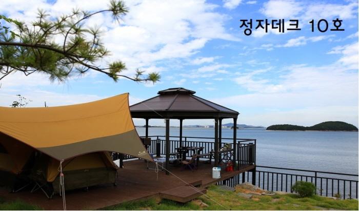 [민박업소] 섬뜰아래 호스텔(섬뜰아래 카페/캠핑장/펜션)_캠핑