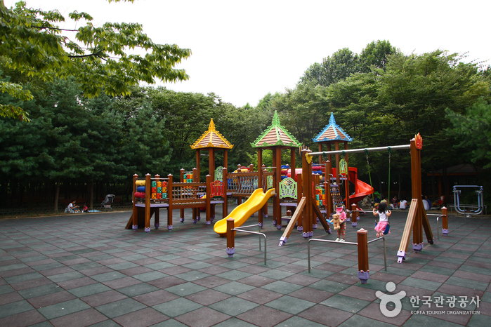 Yangjae Citizens' Park (양재 시민의숲)