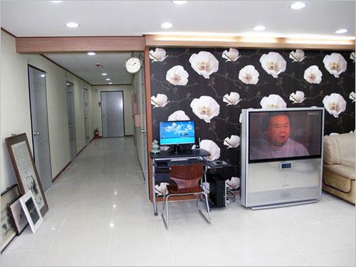 Hwaseong Guest House (화성 게스트하우스)