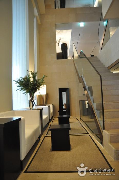 Отель The Baume Couture (보오메꾸뜨르호텔)