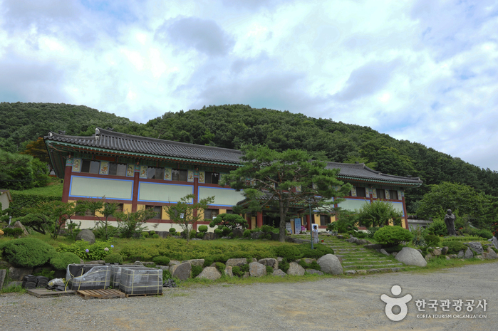 Wawoojongsa Temple (Waujeongsa) (와우정사)