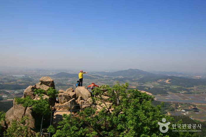 八峰山(瑞山)(팔봉산(서산))