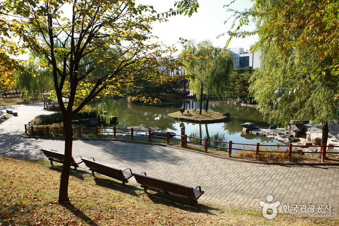 汝矣島公園(여의도 공원)