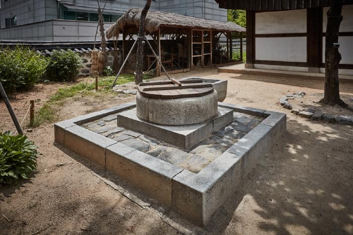 海豐府院君尹澤榮齋室(해풍부원군윤택영댁재실)10