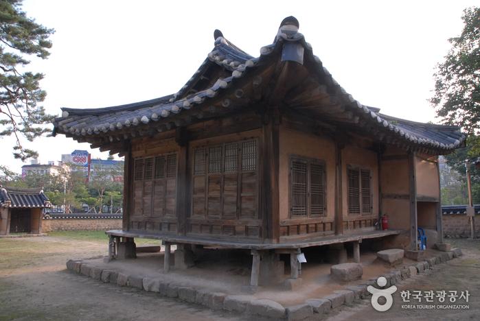Парк Тончхундан в городе Тэчжон (대전 회덕 동춘당)11