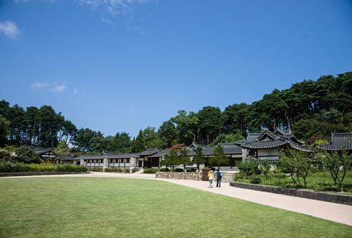 강릉 선교장 바깥마당