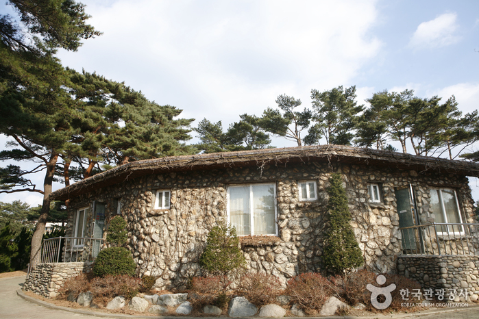 Villa of Lee Ki-poong (이기붕별장)