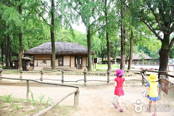 한국민속촌에는 시골 운치가 제대로 살아 있다.