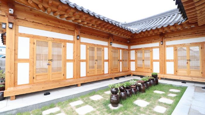 ナドゥル韓屋 [韓国観光品質認証] (나들한옥 [한국관광 품질인증/Korea Quality])