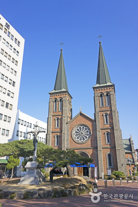 Daegu Gyesan Catholic Church (대구 계산동성당)