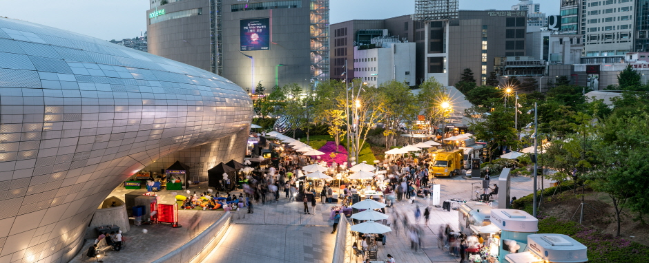 Seoul Bamdokkaebi Night Market (서울 밤도깨비 야시장)