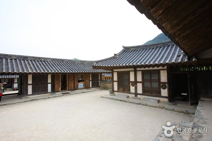 Casa del Aristócrata Choi (최참판댁)21