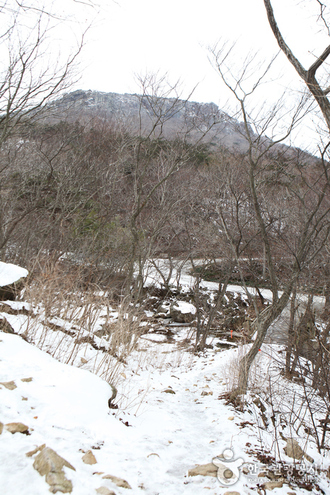 Seonunsan Mountain (Jeonbuk National Geopark) (선운산 (전북 서해안권 국가지질공원))