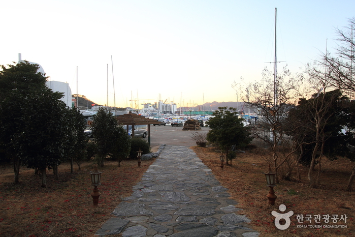 Kumho Tongyeong Marina Resort (금호통영마리나리조...