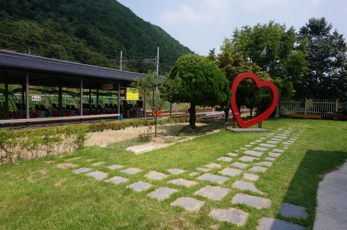 Jeonju Hanok Rail Bike (전주한옥레일바이크)