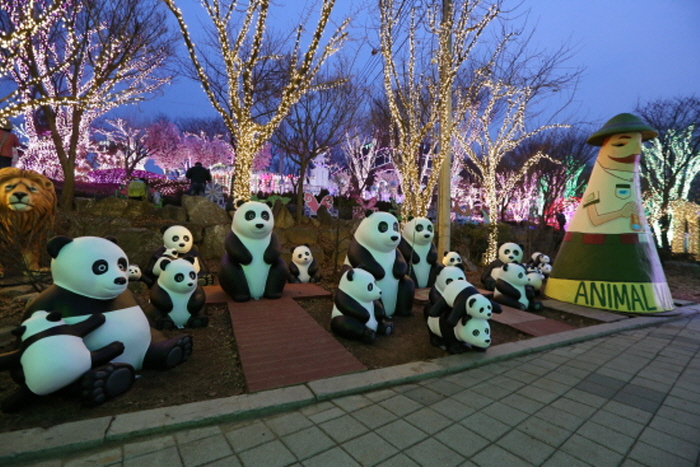 Animal & Heart Village Light Festival at Ansan Starlight Village Photo Land (안산 별빛마을 애니멀 & 하트빌리지 빛축제)