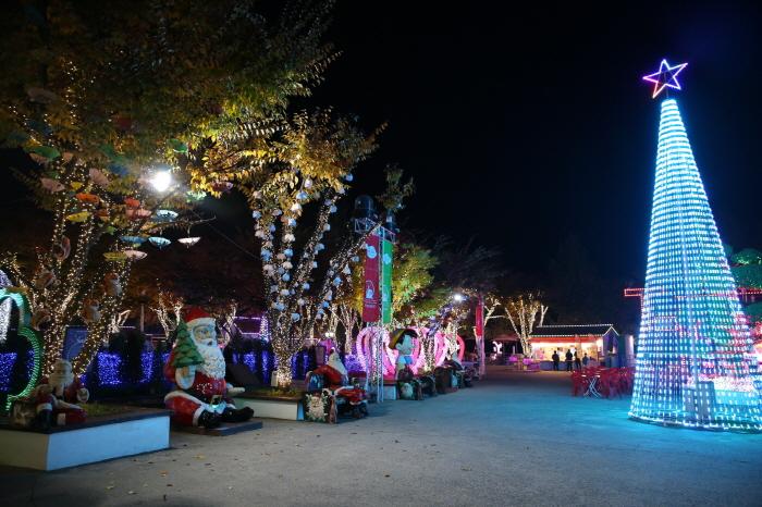 청도 프로방스 크리스마스 산타마을 빛축제 2018  사진18