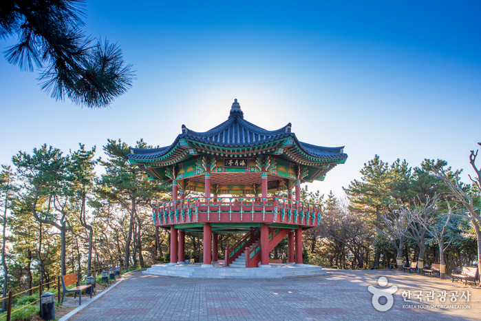 Straße Haeundae Dalmaji-gil (해운대 달맞이길)