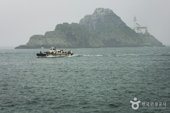 Oryukdo Lighthouse (오륙도 등대)