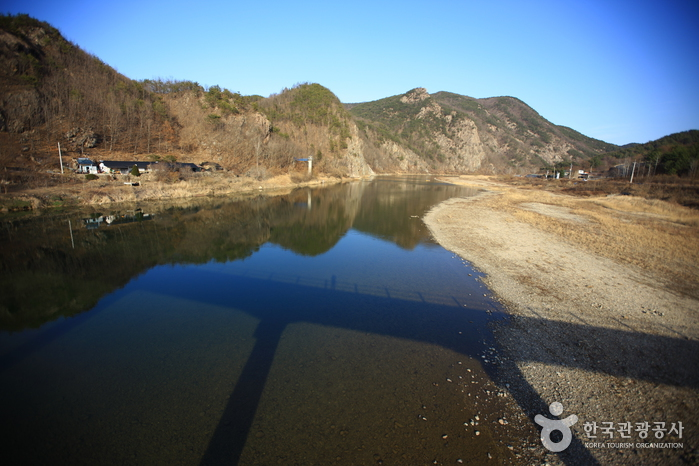 Jeokbyeokgang River ()