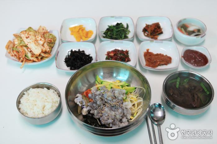 함평 갯벌낙지로 만든 낙지비빔밥