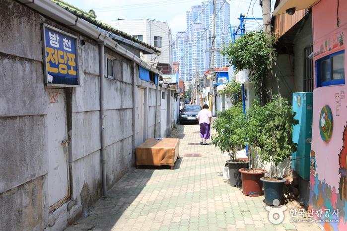 Улица имени музыканта Ким Кван Сока (김광석 길)24