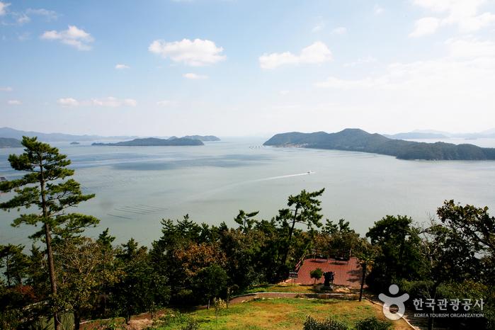 Ttangkkeut Village (땅끝 관광지)