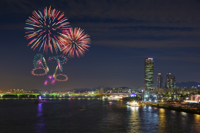 ソウル世界花火祭り(한화와 함께하는 서울세계불꽃축제)