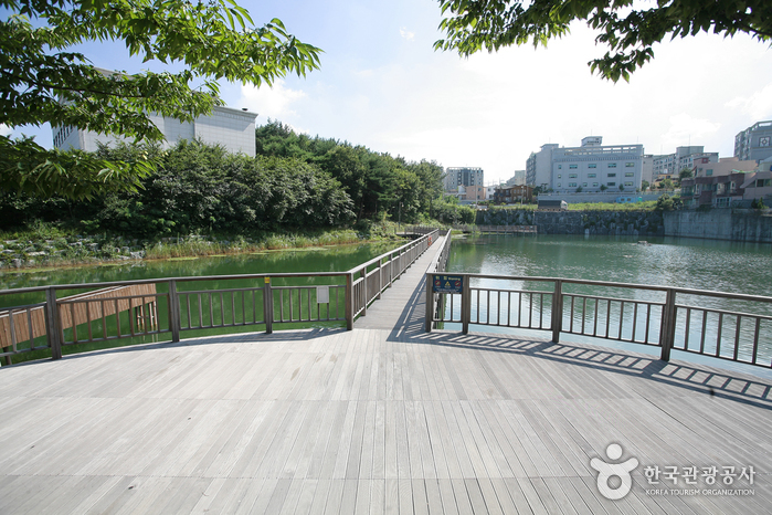 Sunmot Ecological Park ( )
