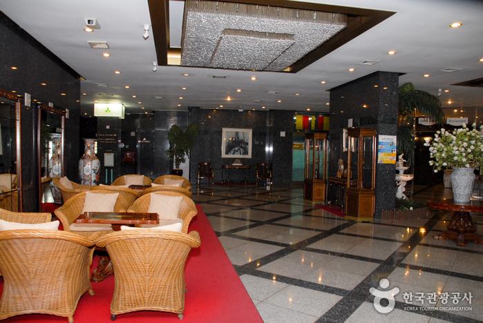 丹陽観光ホテル(단양관광호텔)