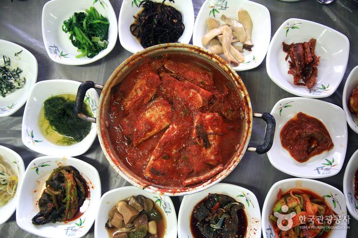 チョウォン飲食店(초원음식점)